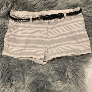 🌟3 for 25🌟 cute Guess shorts with leather belt